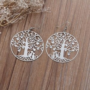 Round Silver tone Filigree Tree Carved Earrings